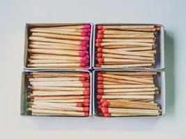vier Streichholzschachtelsätze