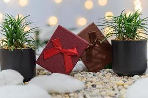 Weihnachtshintergrund mit Geschenkboxen
