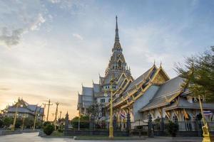 der wat sothon wararam worawihan tempel in thailand
