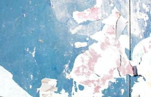 blaue Farbe abplatzen