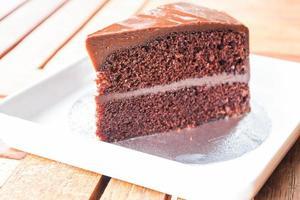 Stück Schokoladen-Chiffon-Kuchen foto