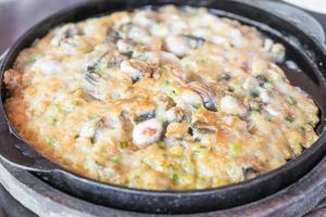 knusprig gebratener Muschelpfannkuchen