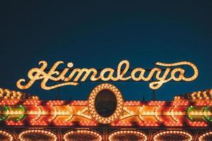 Los Angeles, 2020 - Himalaya-Zeichen auf der Messe foto