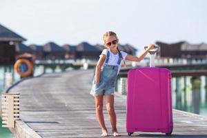 Malediven, Südasien, 2020 - Mädchen in den Sommerferien in einem Resort foto
