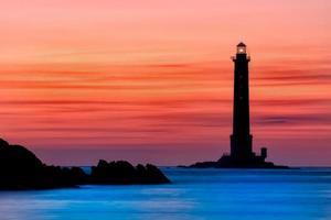 La Hague, Frankreich, 2020 - Goury Leuchtturm bei Sonnenuntergang foto