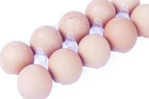 Eier in einer Plastikkiste
