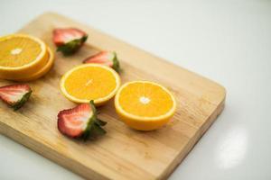 frisch geschnittene Orangen foto