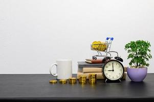 Konzept des finanziellen Wachstums mit Münzen foto
