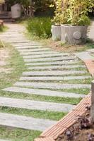 Gartenwanderweg mit Stein machen