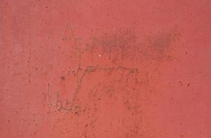 minimalistische Wandstruktur aus rotem Oxidstahl