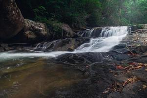 Landschaft im Khao Chamao Wasserfall Nationalpark