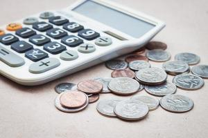 Taschenrechner mit Münzen