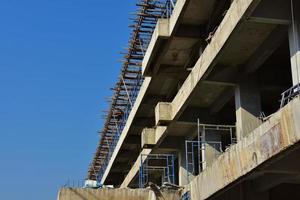 Zementbau während des Tages foto