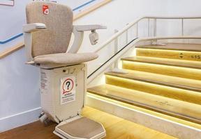 automatischer Treppenlift foto