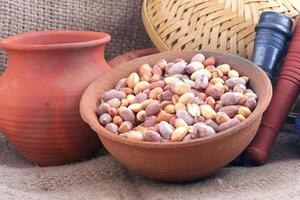 frisch geröstete Erdnüsse