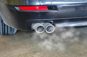 Autoabgasrauch