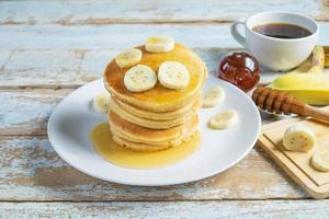 Pfannkuchen mit Bananen foto