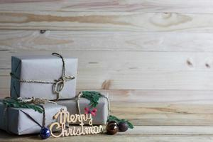 Frohe Weihnachten Szene mit Geschenken foto