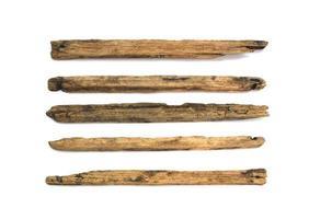 Holz klebt auf weißem Hintergrund