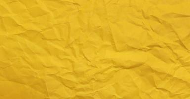gelbes verklumptes Papier foto