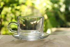 leeres Glas draußen foto