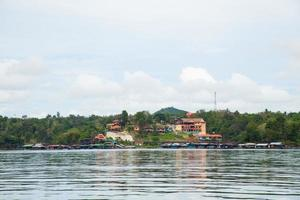 Resort am Fluss