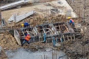 Draufsicht auf Bauarbeiter
