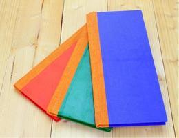 drei Notizbücher auf Holz foto