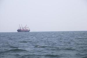 großes Frachtschiff
