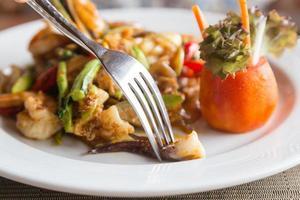 Meeresfrüchte auf einem Teller foto