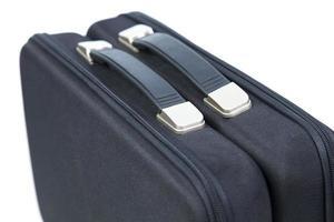 zwei schwarze Aktentaschen auf weißem Hintergrund