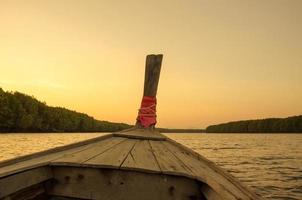 Boot im Wasser foto