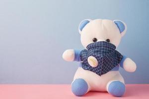 Bär trägt eine Maske foto
