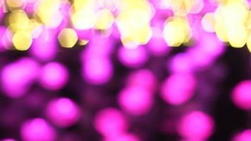 lila und gelbe Bokeh-Lichter