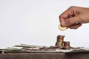 Münzen auf neutralem Hintergrund foto