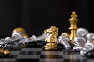 goldene Ritterschachfigur
