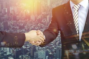 Doppelbelichtung von Handshake City
