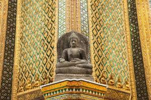 Buddha-Statue in einem Tempel in Thailand foto