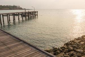 Pier am Meer in Thailand