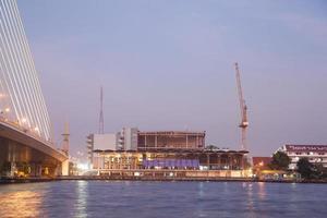 Bauarbeiten am Fluss in Bangkok