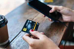 Zahlung für Waren per Kreditkarte per Smartphone