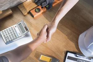 Draufsicht auf Handshake foto