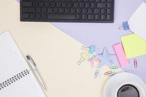 flache Lage, Draufsicht Bürotisch Schreibtisch foto