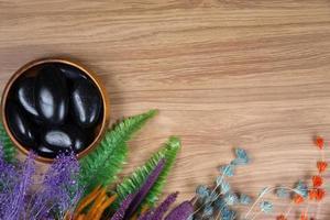Spa-Dekor auf Holzhintergrund