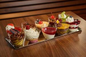 Dessert in Tassen