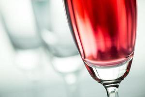 Gläser Wein in einem Restaurant