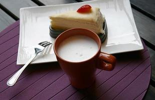 Milch und ein Kuchen