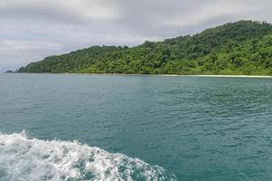 Meereswellen durch Touristenboote verursacht
