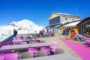 birg station in den schweizer alpen in murren