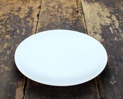 leere weiße Platte foto